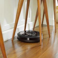 ダイニングテーブルの脚まわりはお掃除できるの?