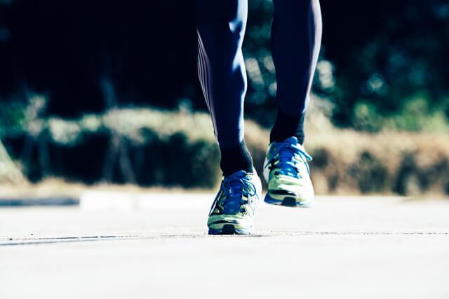 外出やトレーニング時にストレスなくイヤホンを使いたい人